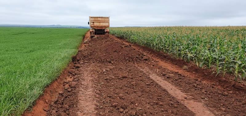 Fotos Empedramento nas estradas rurais da Cabiúna