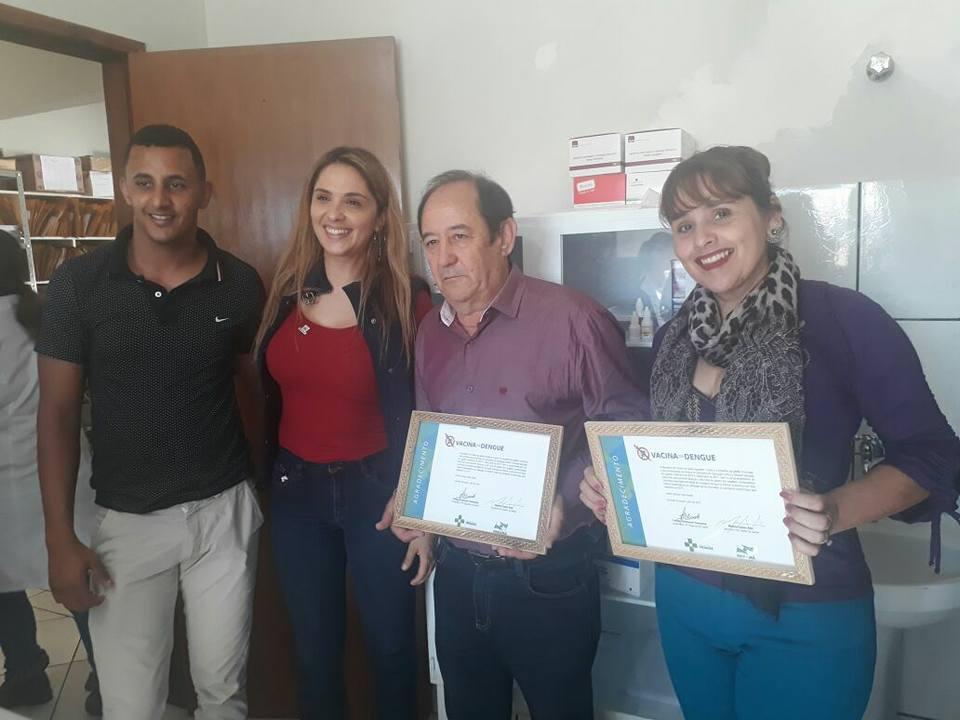 Prefeito Ademir Lourenço Gouveia e Secretaria da saúde Jane Monteiro, receberam certificado de agradecimento